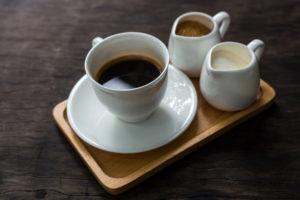 CAFÉ MANCHA OS DENTES